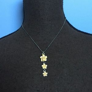 Vintage Yellow Enamel Flower Necklace